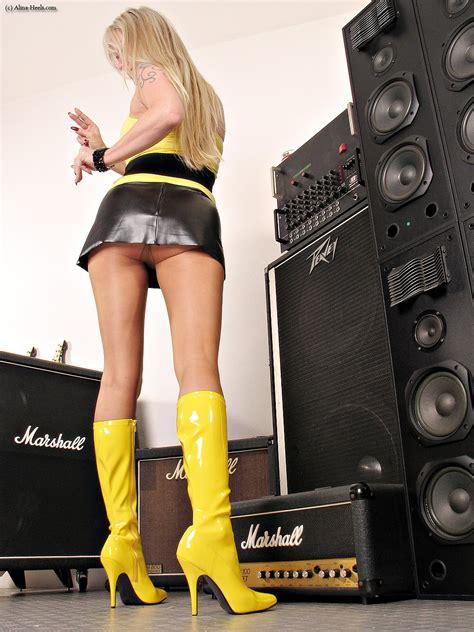 boots mini skirts pics sexy jpg 1050x1400